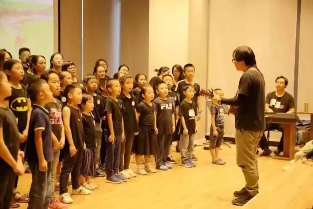 央视《经典咏流传》古诗咏唱人95堂民谣诗教课,边唱边学,让孩子爱上学古诗-第16张图片-爱课啦