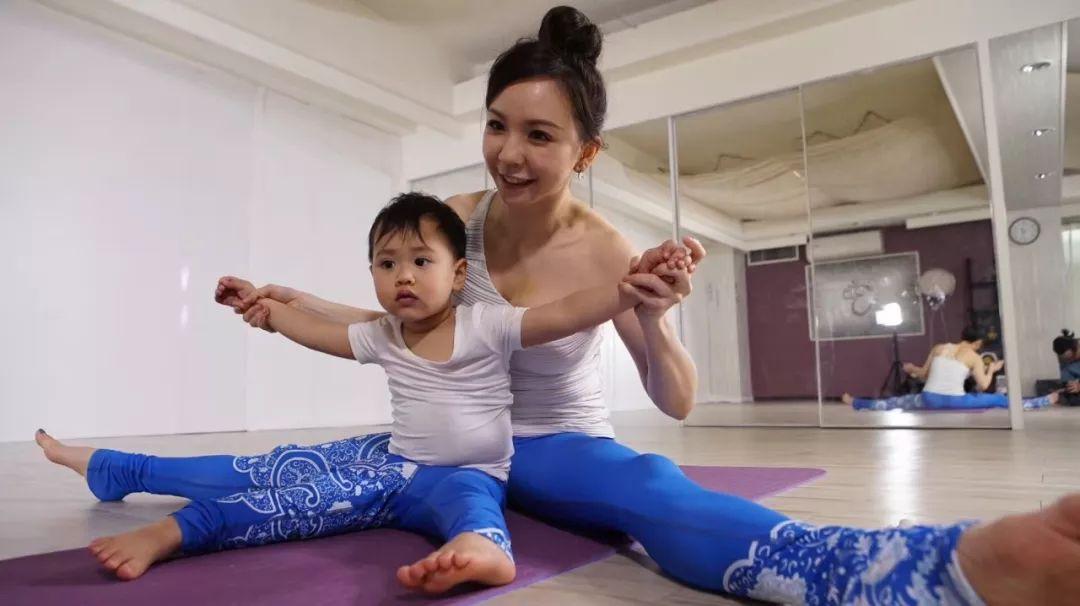 11堂亲子瑜伽课:瑜伽皇后唐幼馨携2宝亲身打造-第19张图片-爱课啦