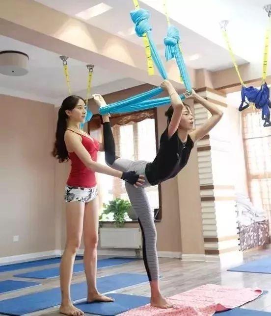 """维密私教美腿秘籍:减腿围 · 消肌肉 · 矫正腿型,每天15分钟练出""""女神腿""""-第17张图片-爱课啦"""