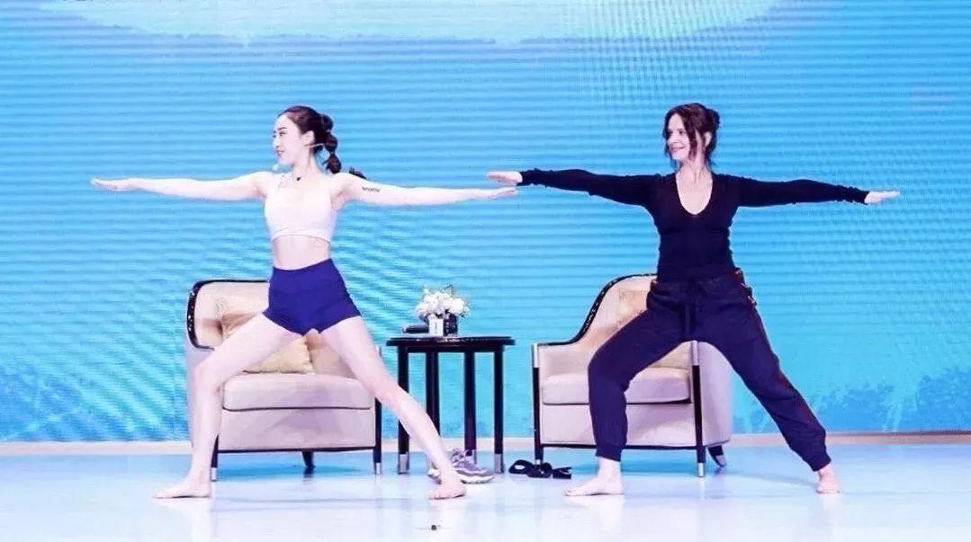 """维密私教美腿秘籍:减腿围 · 消肌肉 · 矫正腿型,每天15分钟练出""""女神腿""""-第21张图片-爱课啦"""