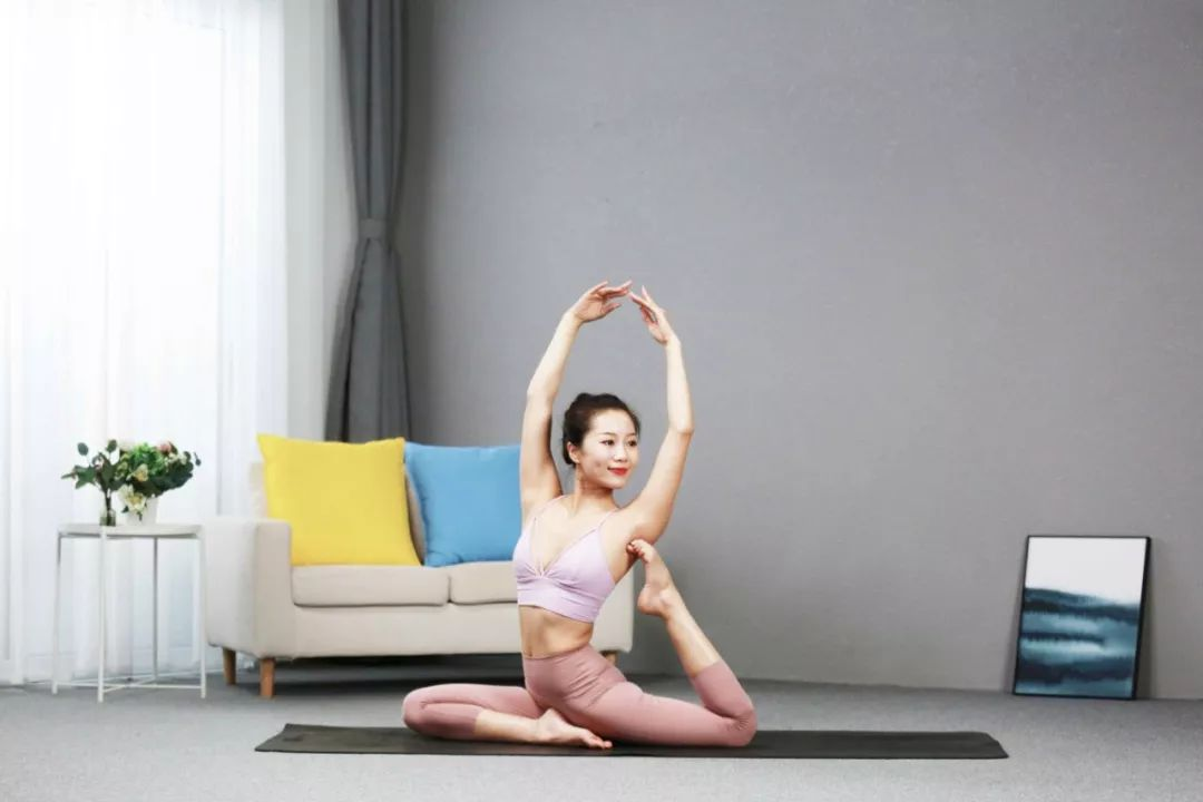 10节速瘦瑜伽:360°精雕体态,让你瘦得轻盈有气质!-第12张图片-爱课啦