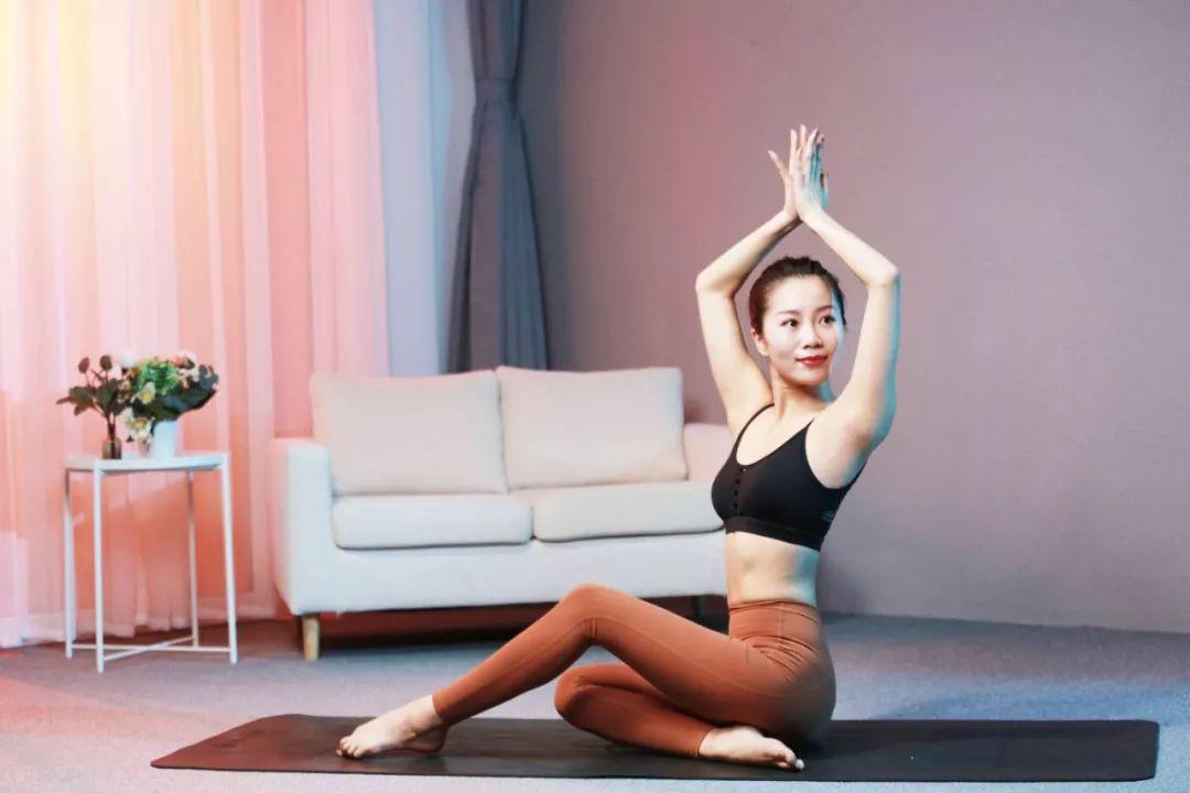 10节速瘦瑜伽:360°精雕体态,让你瘦得轻盈有气质!-第29张图片-爱课啦